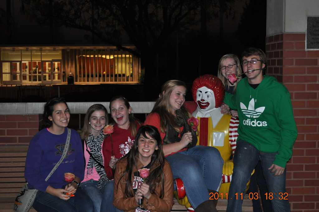 Key Club volunteers at Ronald Mcdonald House